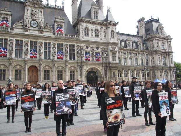 JMAL 2015 - Paris Place Hôtel de Ville - Opération STOP Vivisection